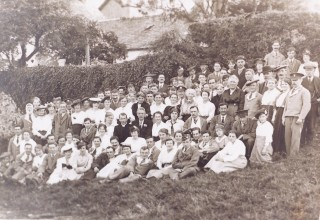 A gathering in Eaglesham, c 1918