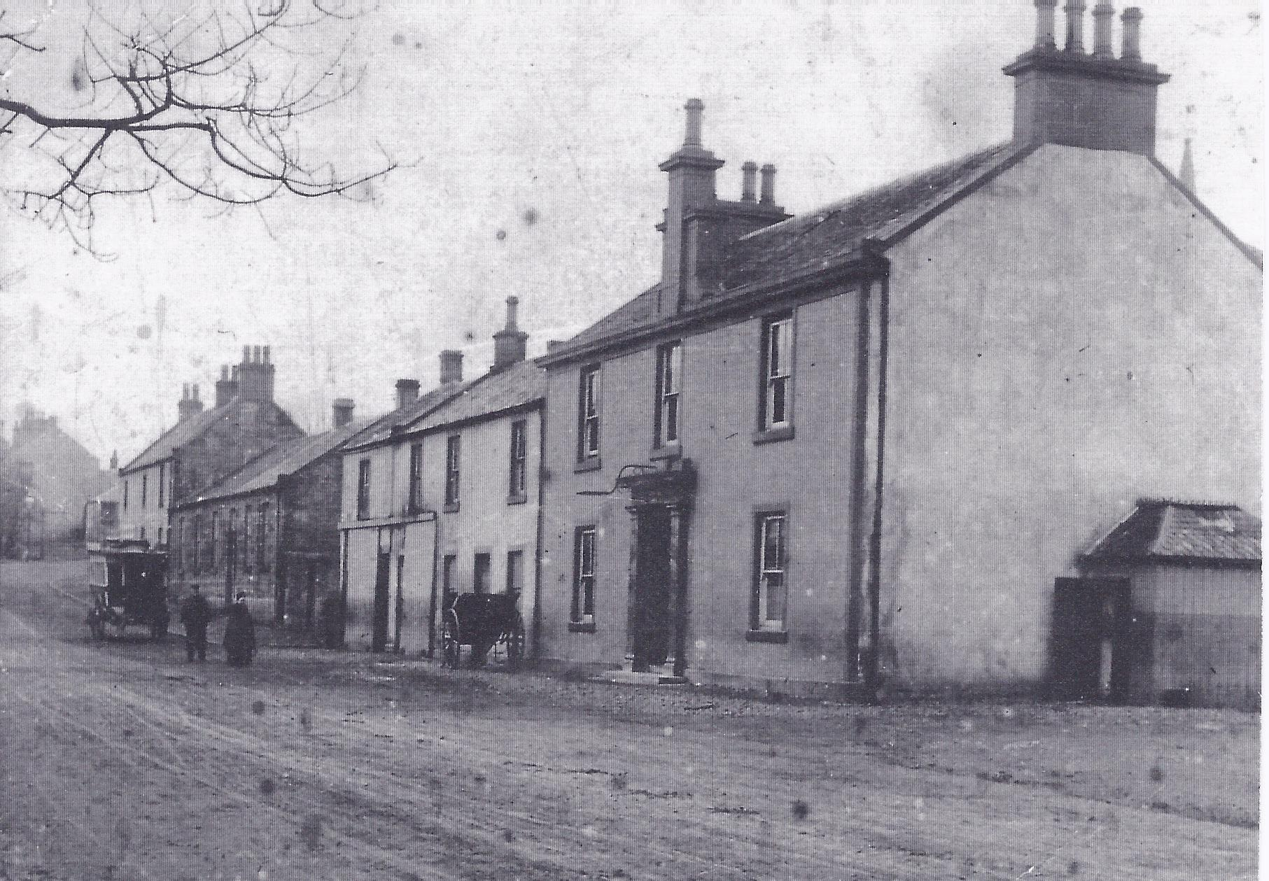Gilmour Street and Eglinton Arms, c 1900